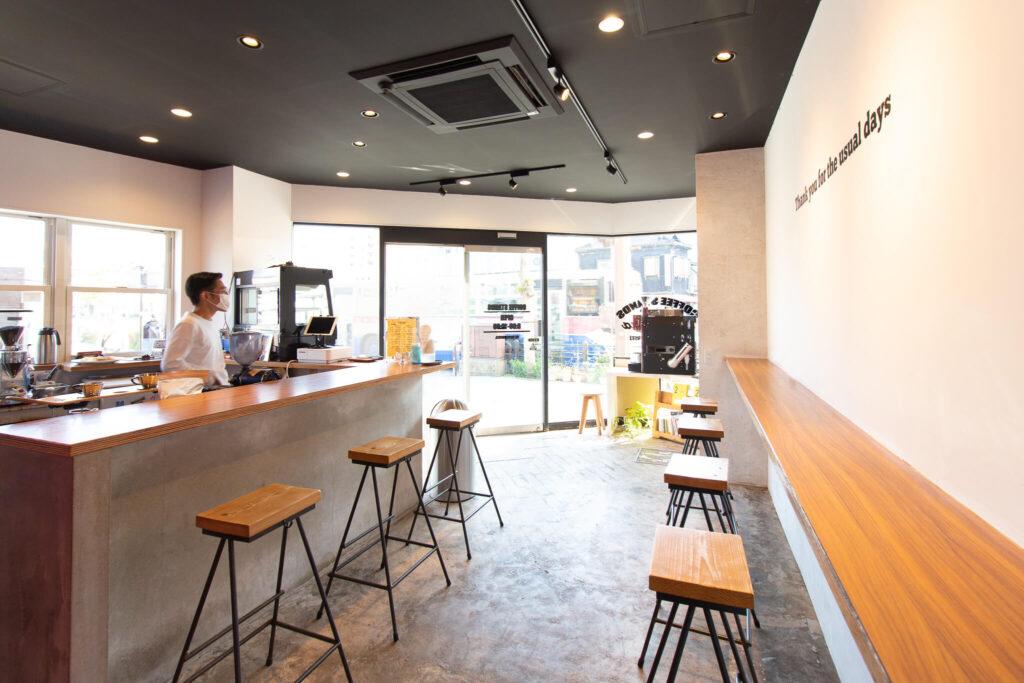 KOMEKOYA COFFEE STANDS 店内