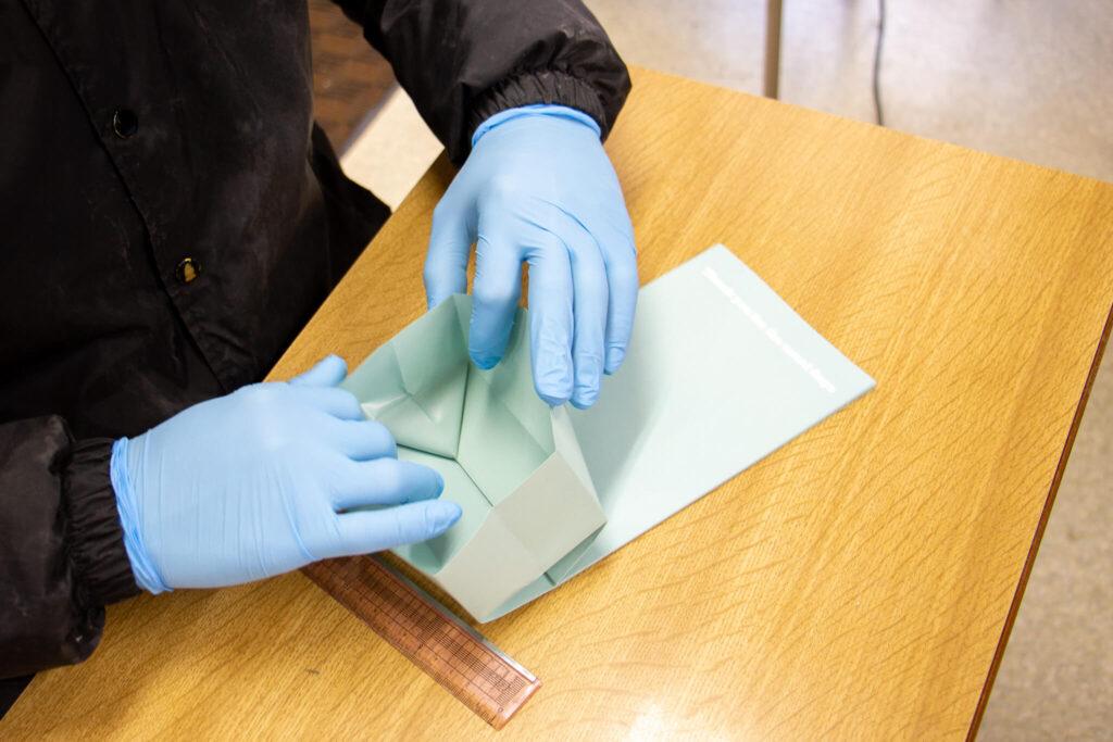 就労継続支援B型事業所 紙袋づくり